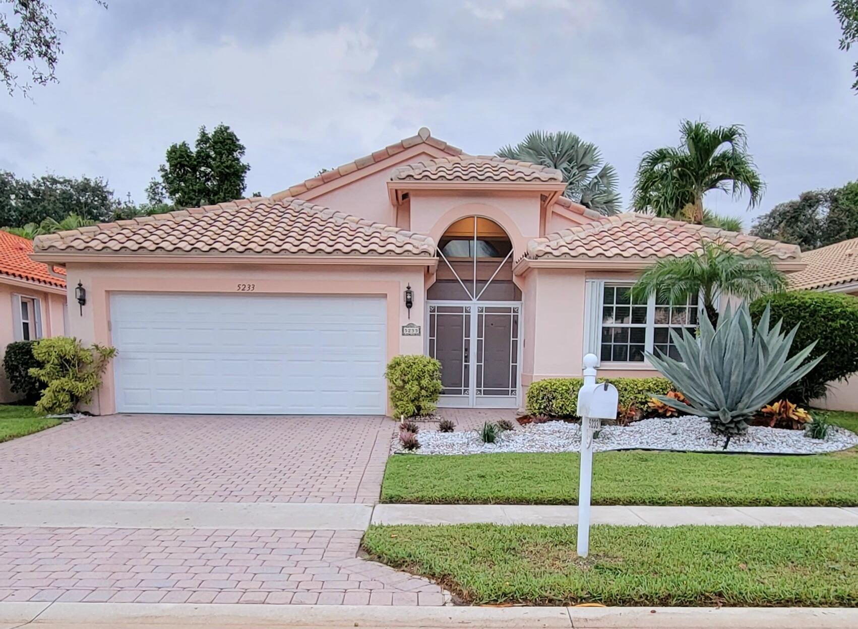 5233  Glenville Drive  For Sale 10747272, FL