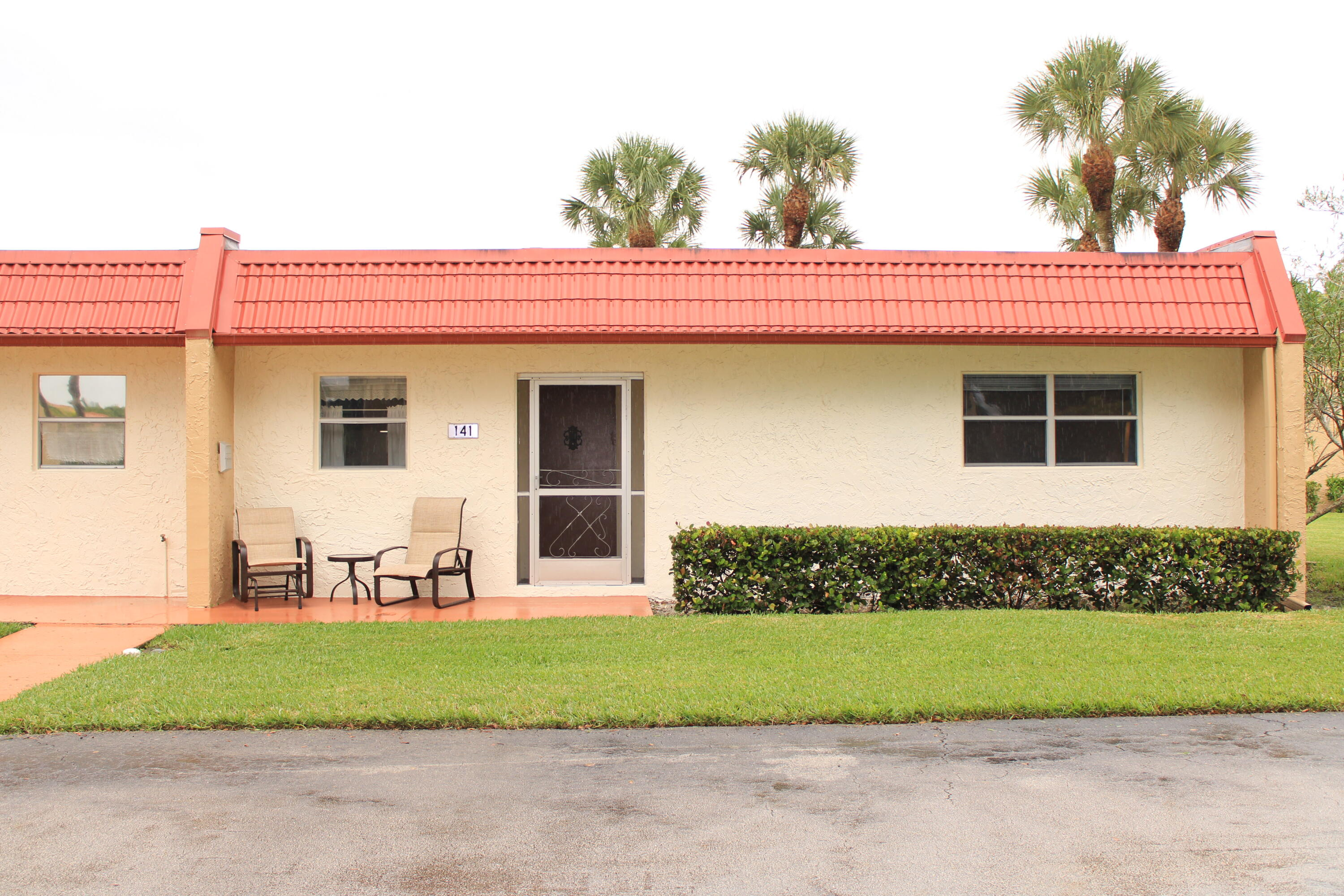 141  Lake Evelyn Drive  For Sale 10747505, FL