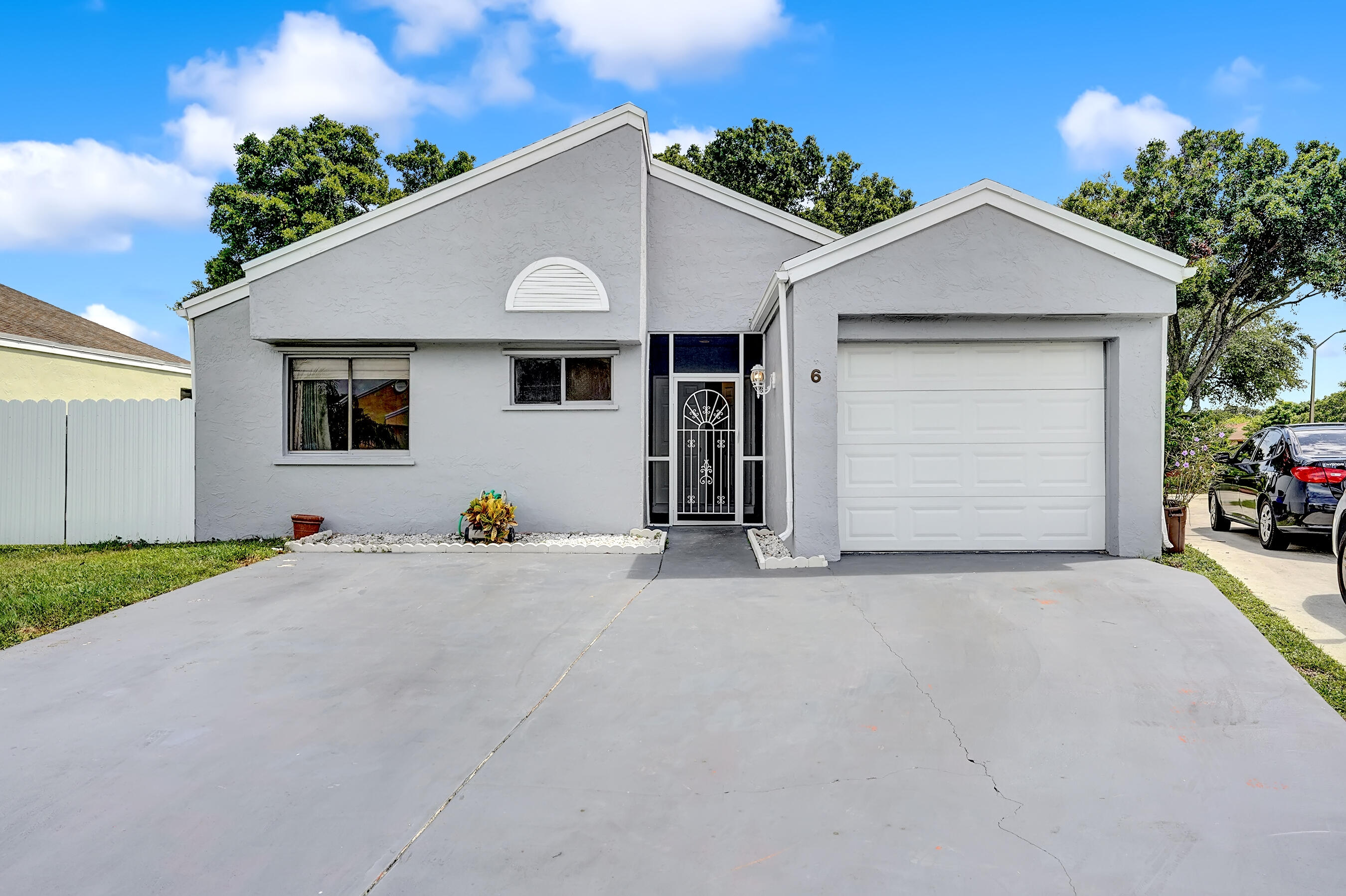 6  Compton Way  For Sale 10747415, FL