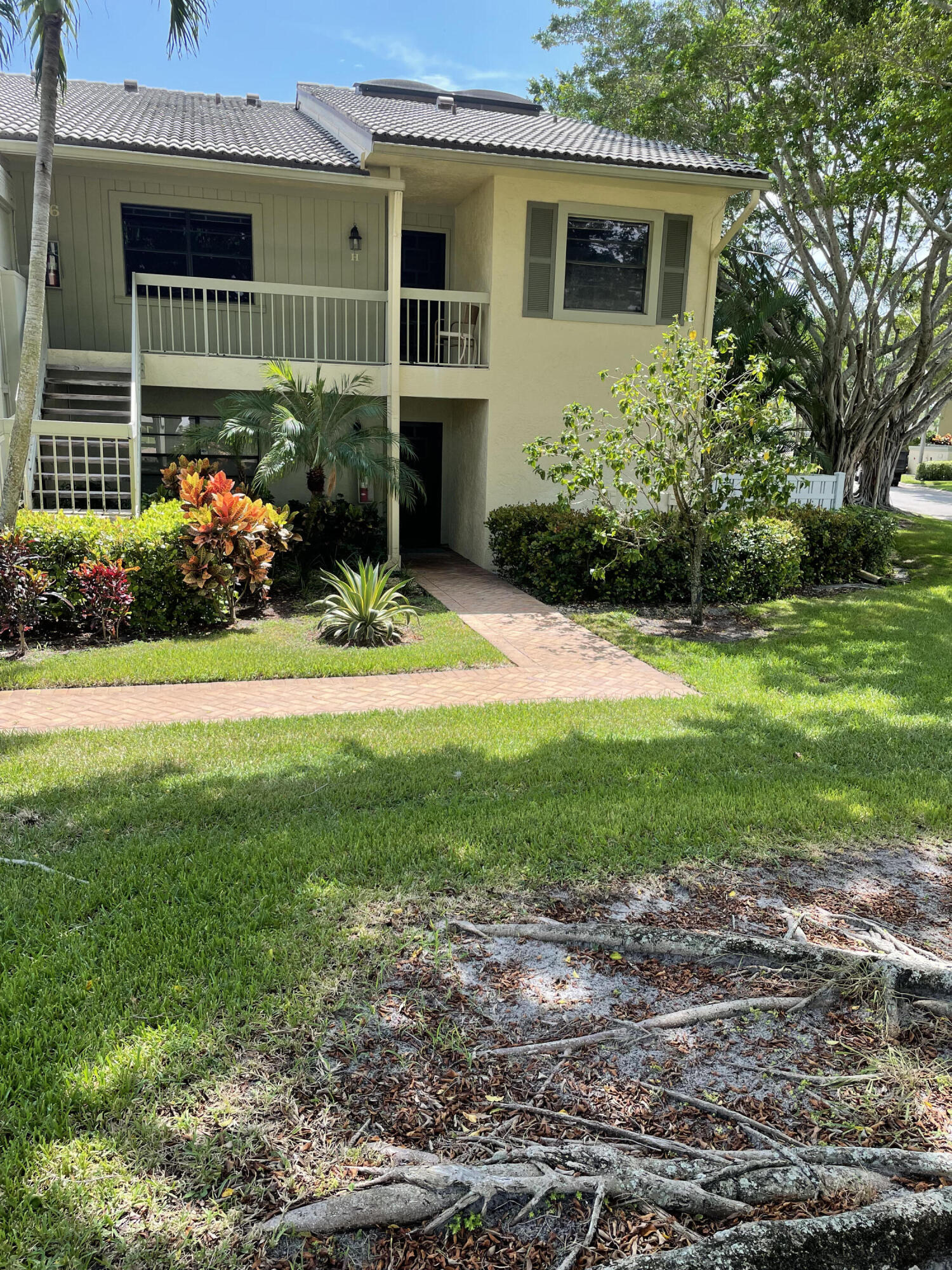 36  Eastgate Drive G For Sale 10747564, FL