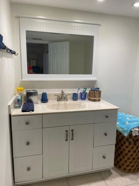3-D bathroom sink