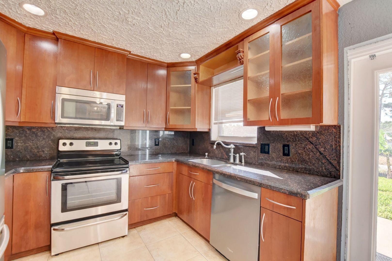 134 SE 31st Avenue  For Sale 10747453, FL