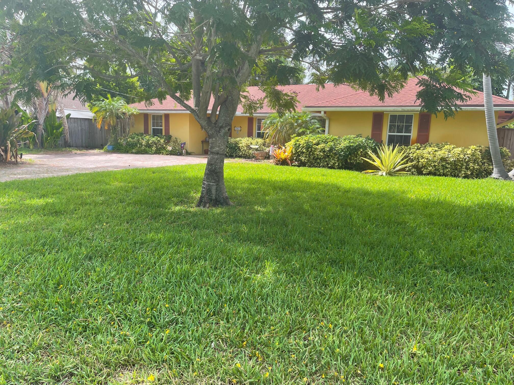 2462 Gertrude Lane Lake Worth, FL 33462