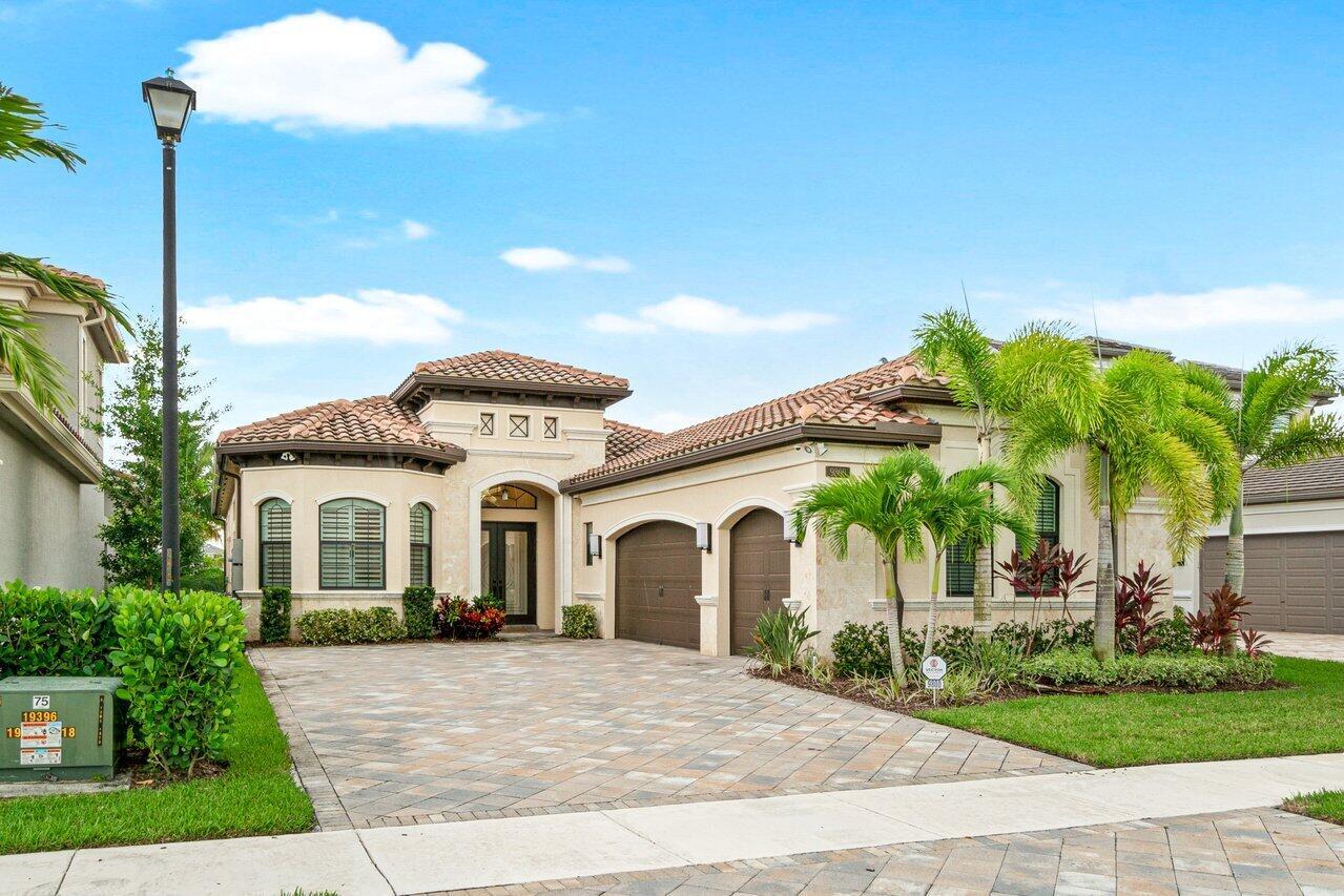 9800  Bozzano Drive  For Sale 10747573, FL