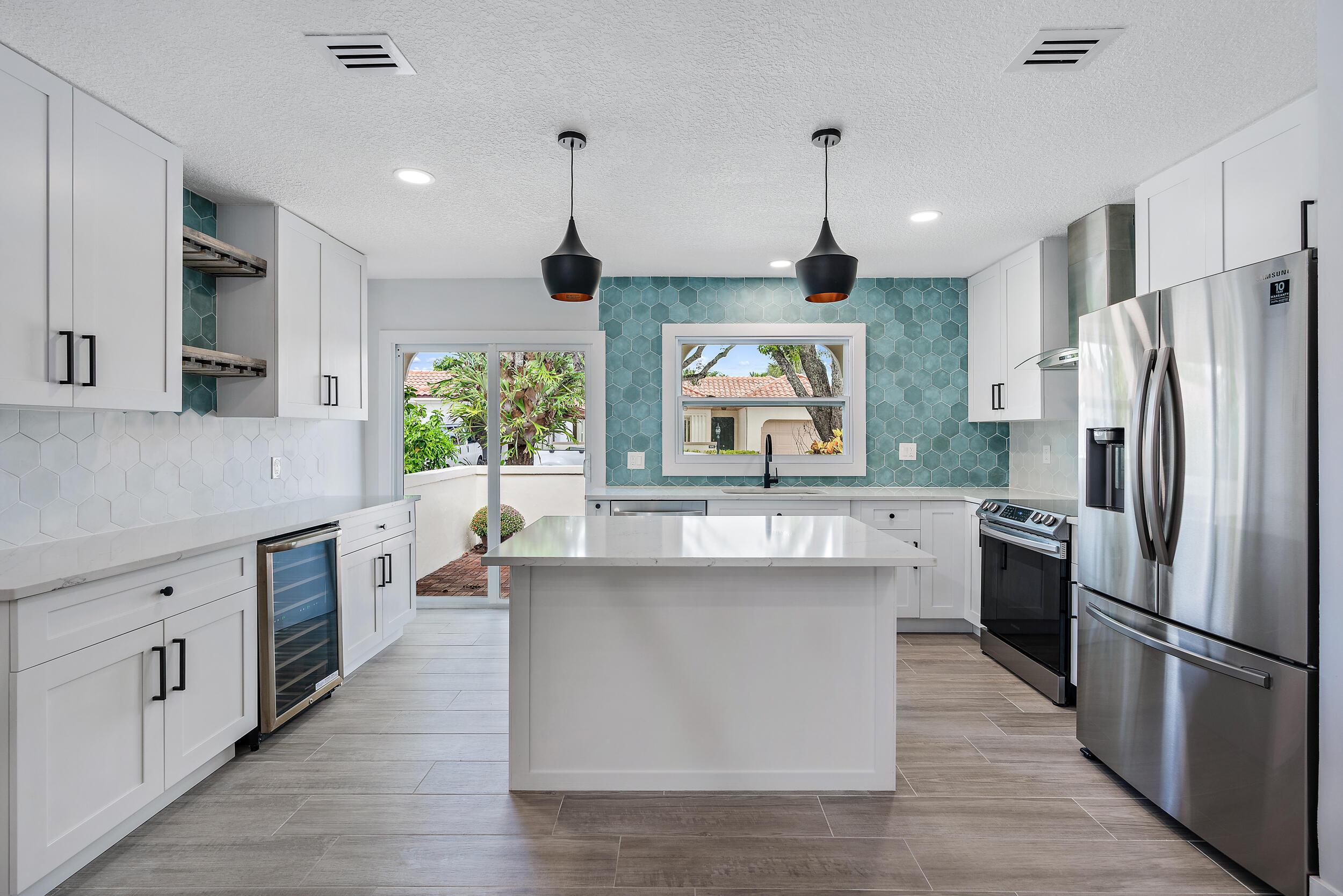 Home for sale in Via Del Mar Jupiter Florida