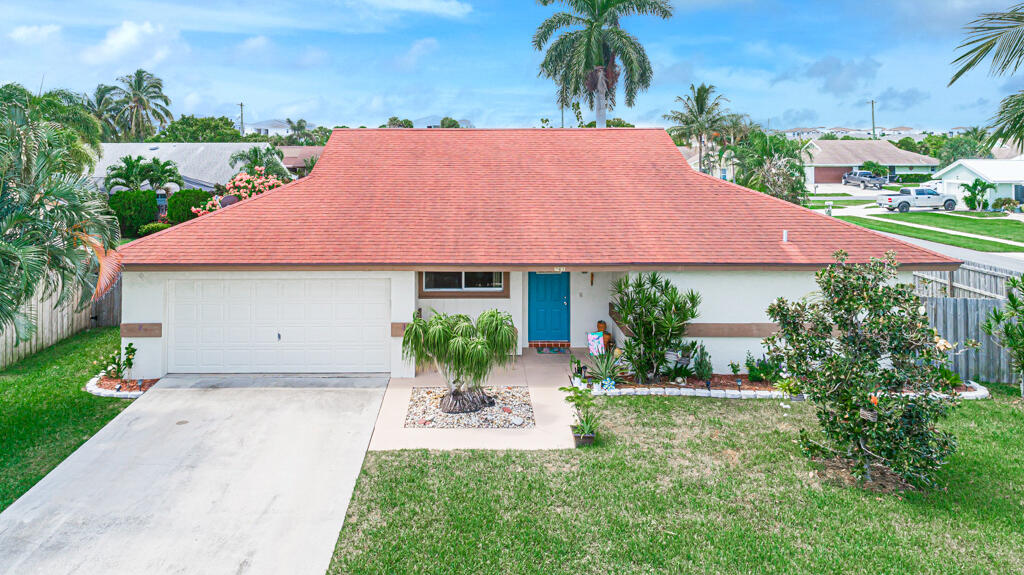 761 NW 10th Court  For Sale 10747817, FL