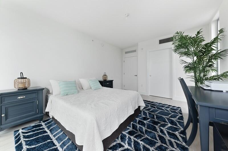 Bedroom / Closet
