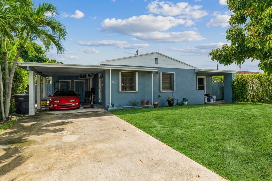 832  Fernwood Drive  For Sale 10747920, FL