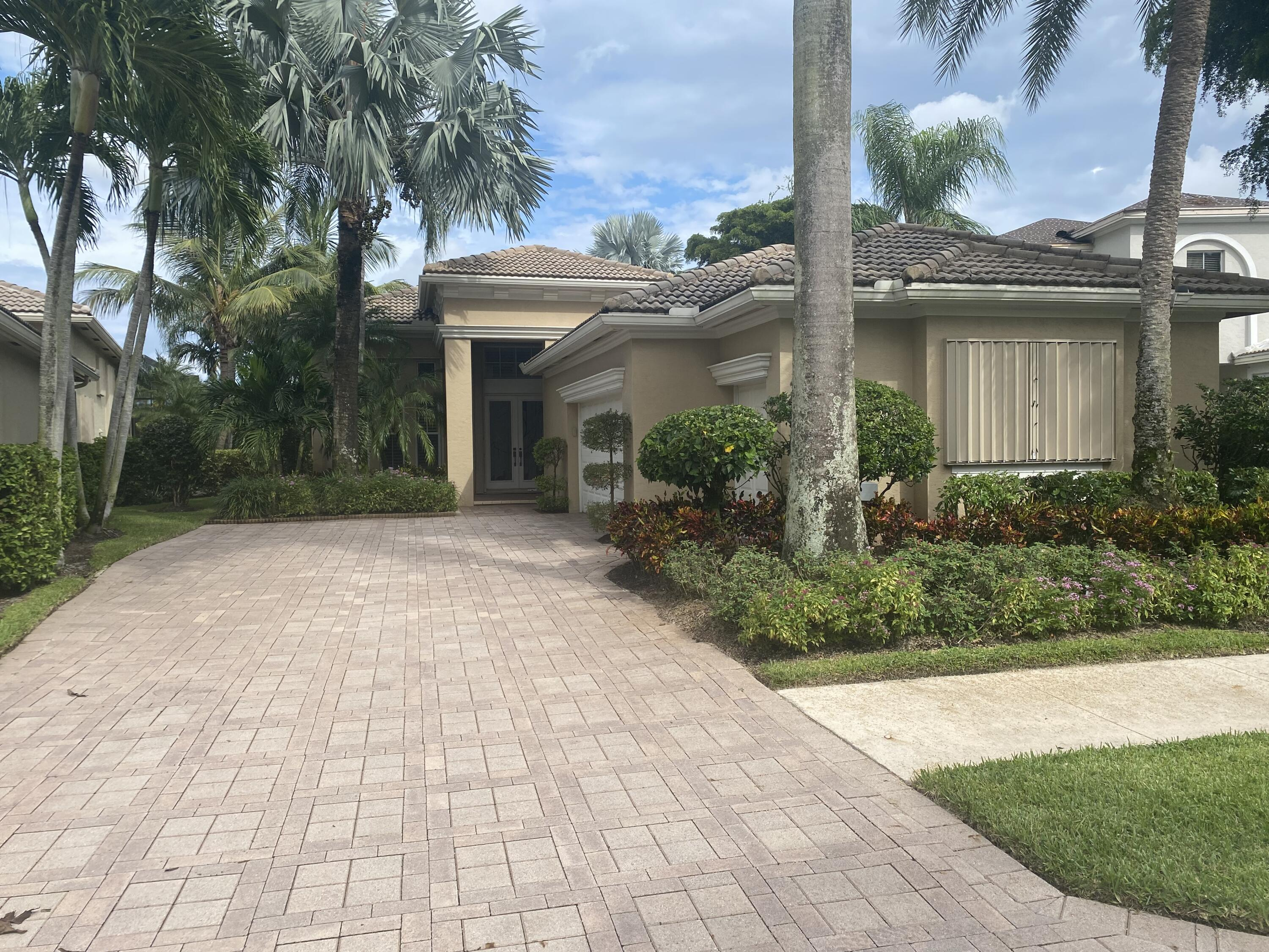 163  Orchid Cay Drive  For Sale 10747939, FL