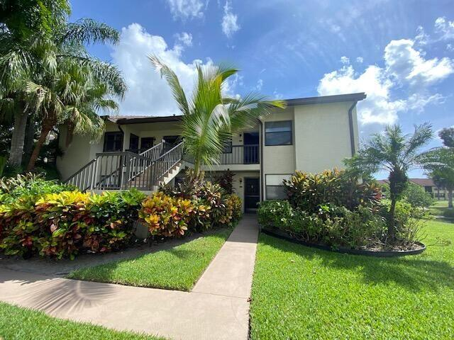 Home for sale in Lucerne Point / Lucernen Lakes Lake Worth Florida