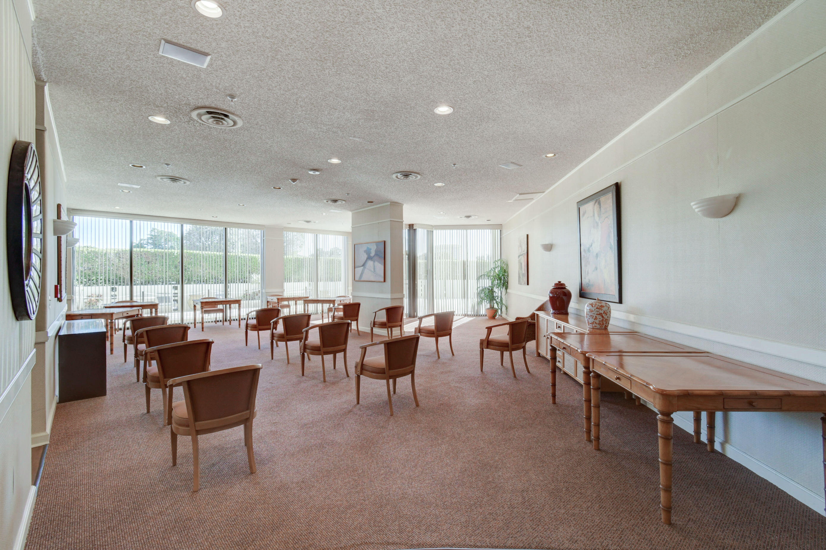 CONSULATE SOCIAL & MEETING ROOM