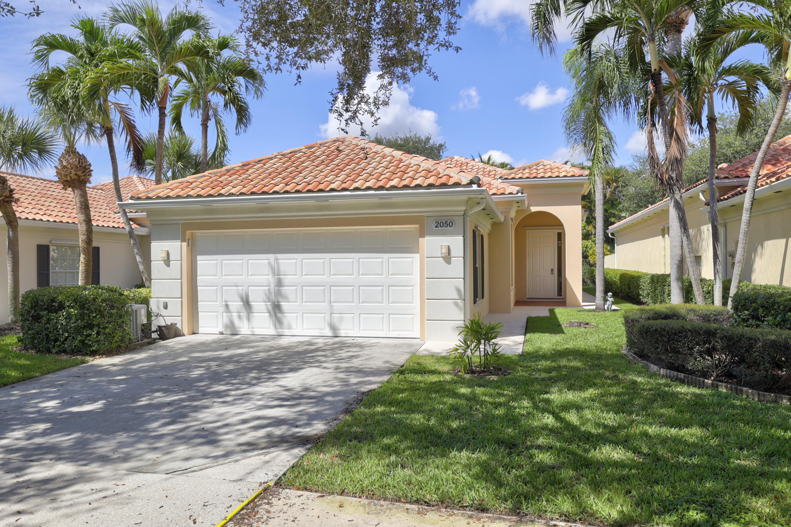 2050  Valencia Drive  For Sale 10747784, FL