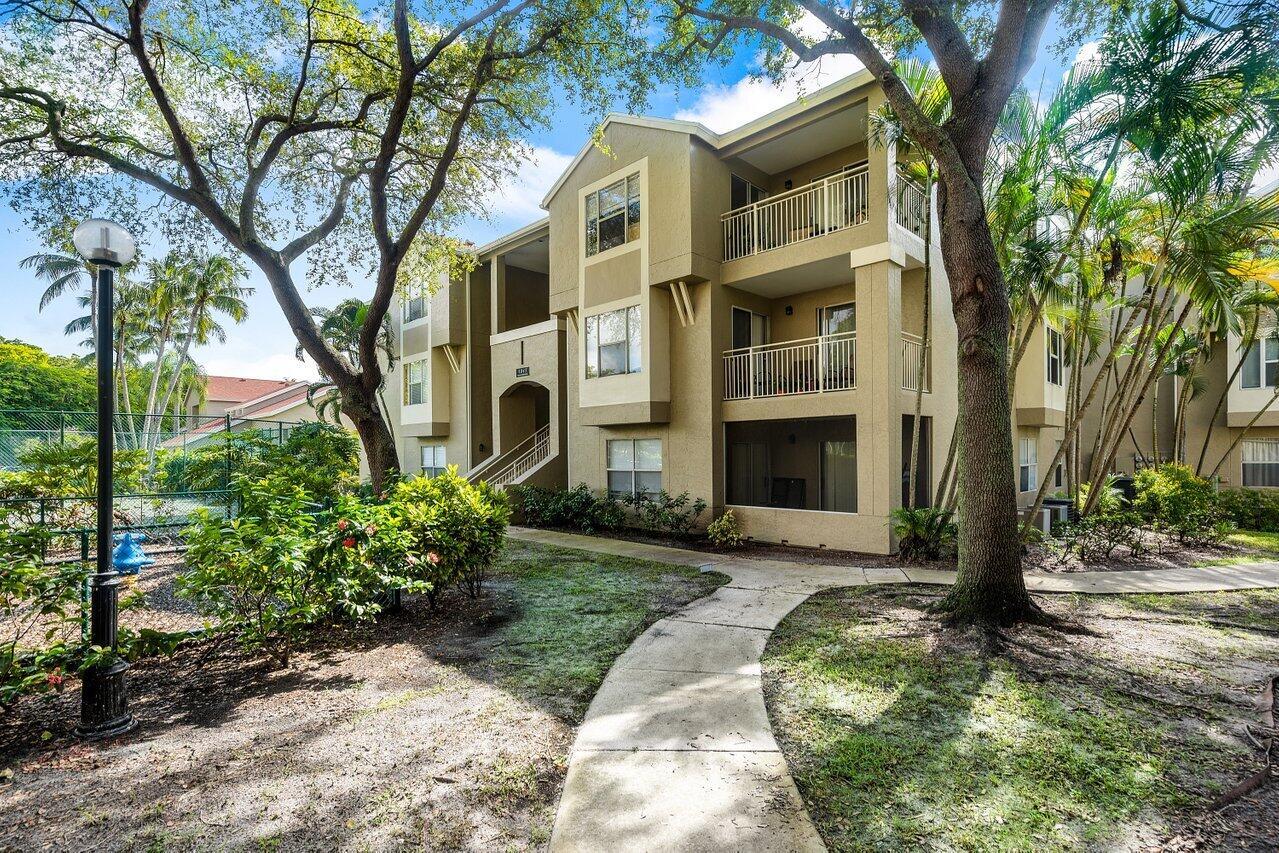 1845  Palm Cove Boulevard 8-102 For Sale 10748149, FL