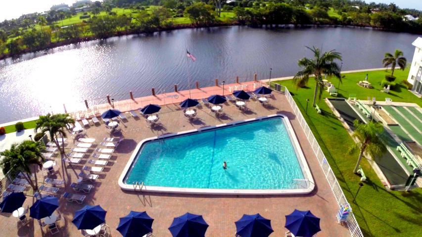 Clubhouse & Pool on Intracoastal