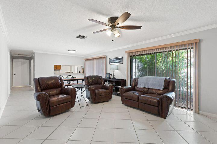 1950 SW 24th Circle  For Sale 10748125, FL