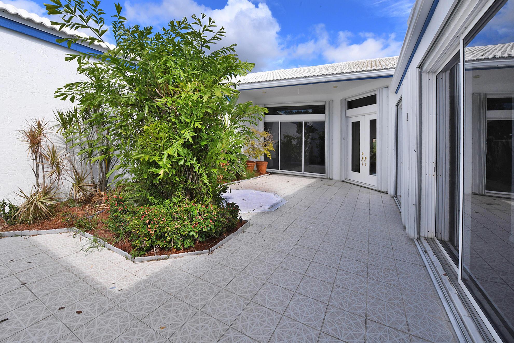 3771  Mykonos Court  For Sale 10748205, FL