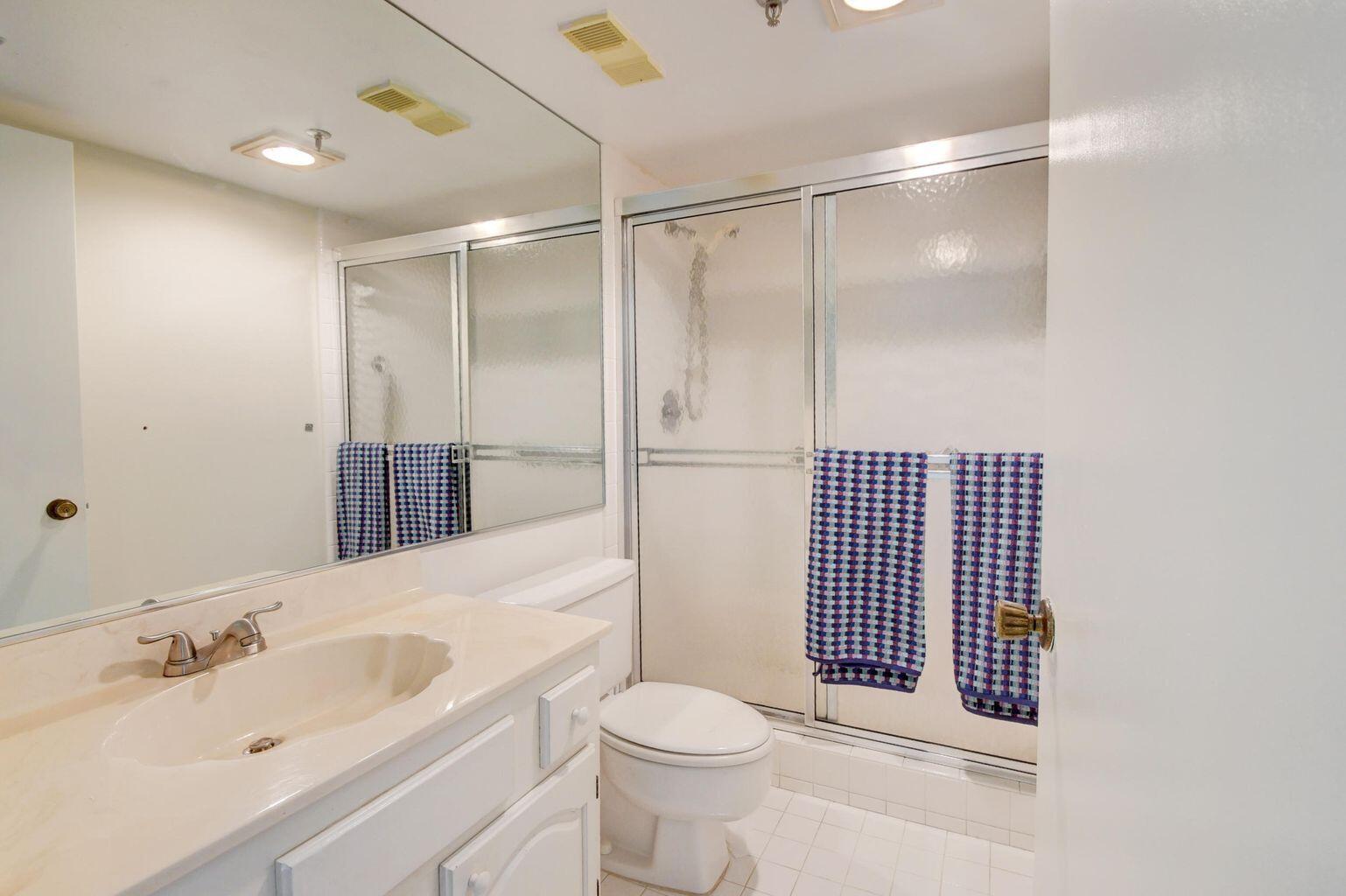 3036 - Bathroom