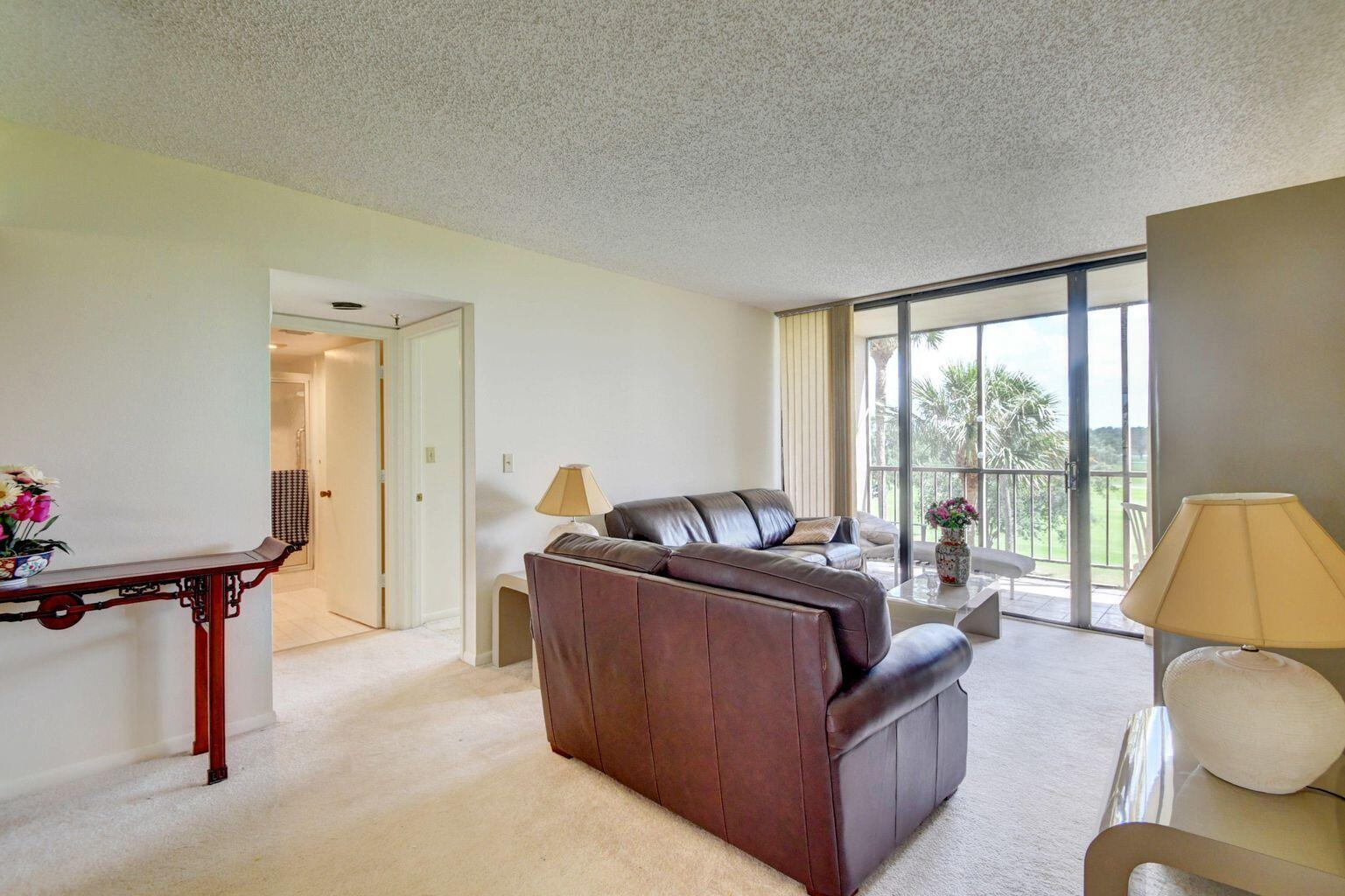 3036 - Living Room