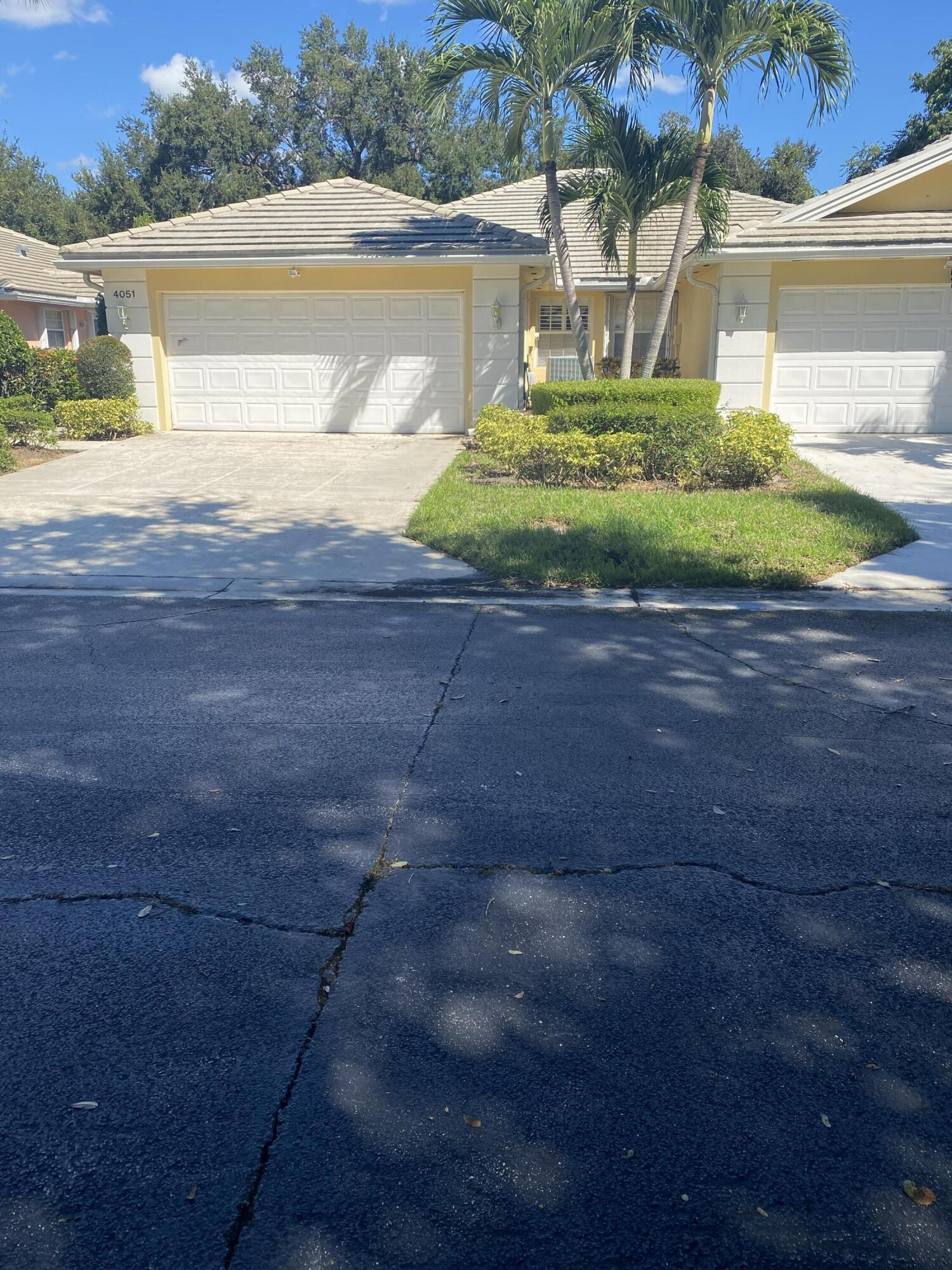 4051  Grove Point Road  For Sale 10747990, FL