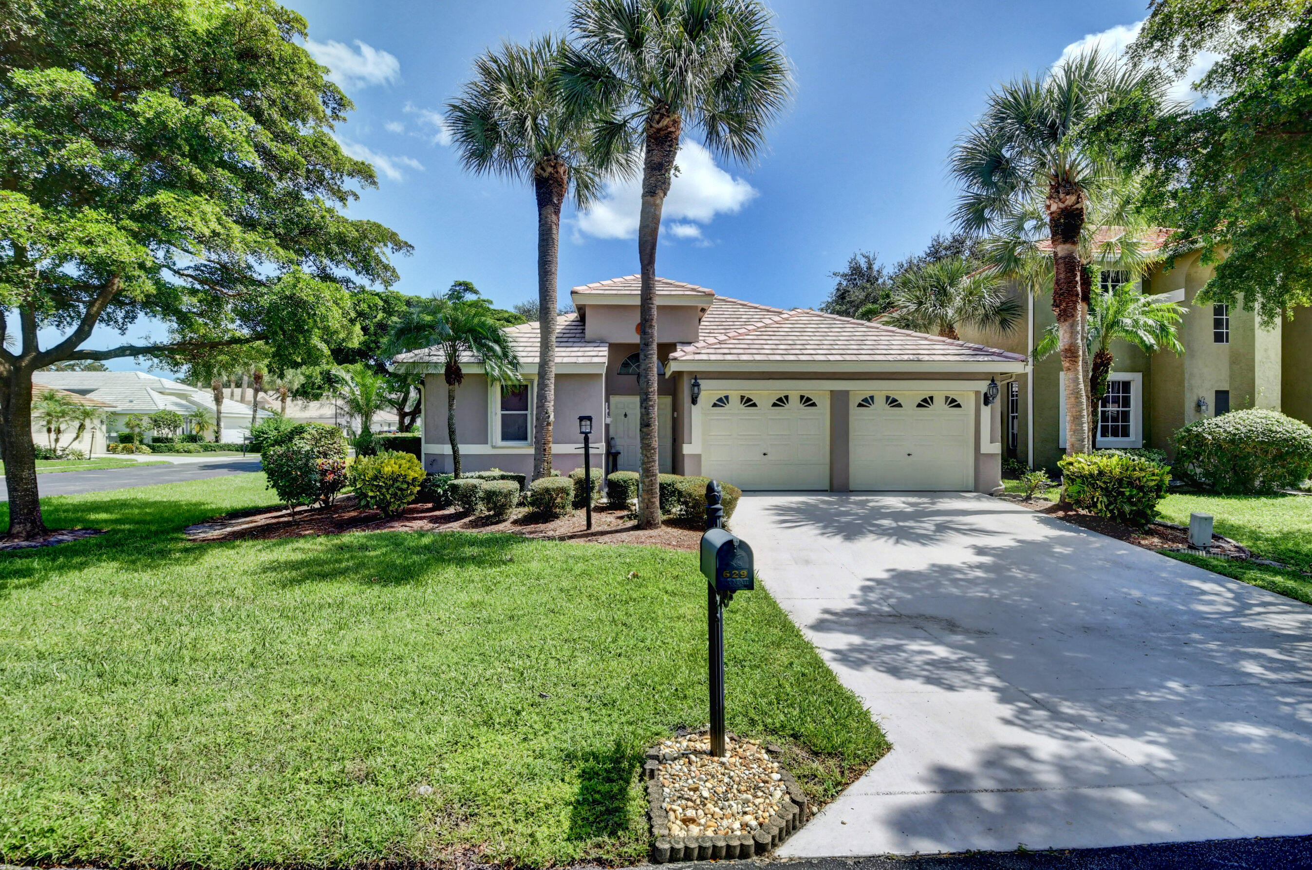 629 W Clearbrook Circle  For Sale 10748124, FL