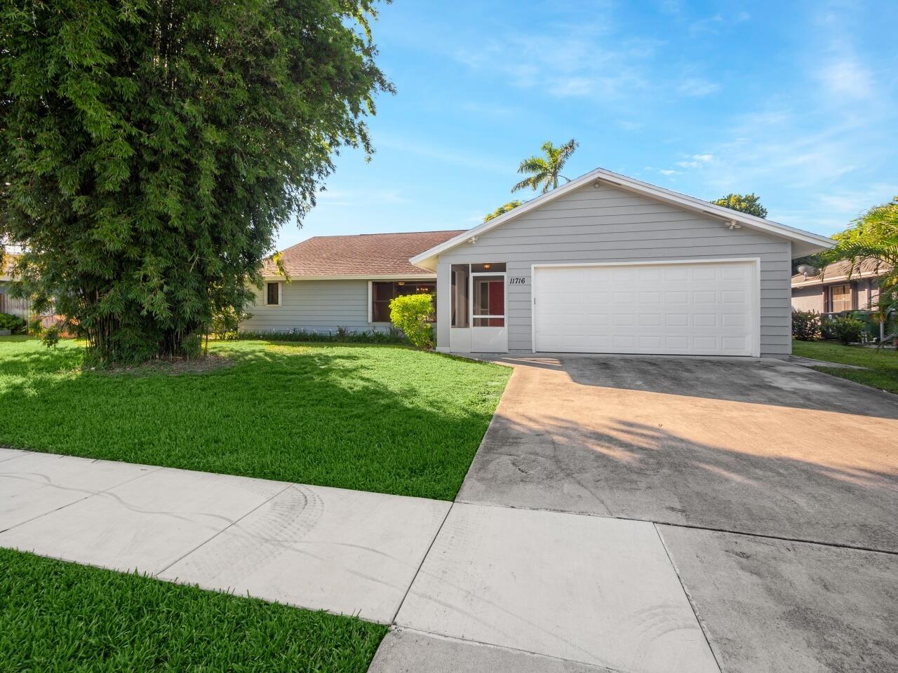 11716  Sanderling Drive  For Sale 10748801, FL