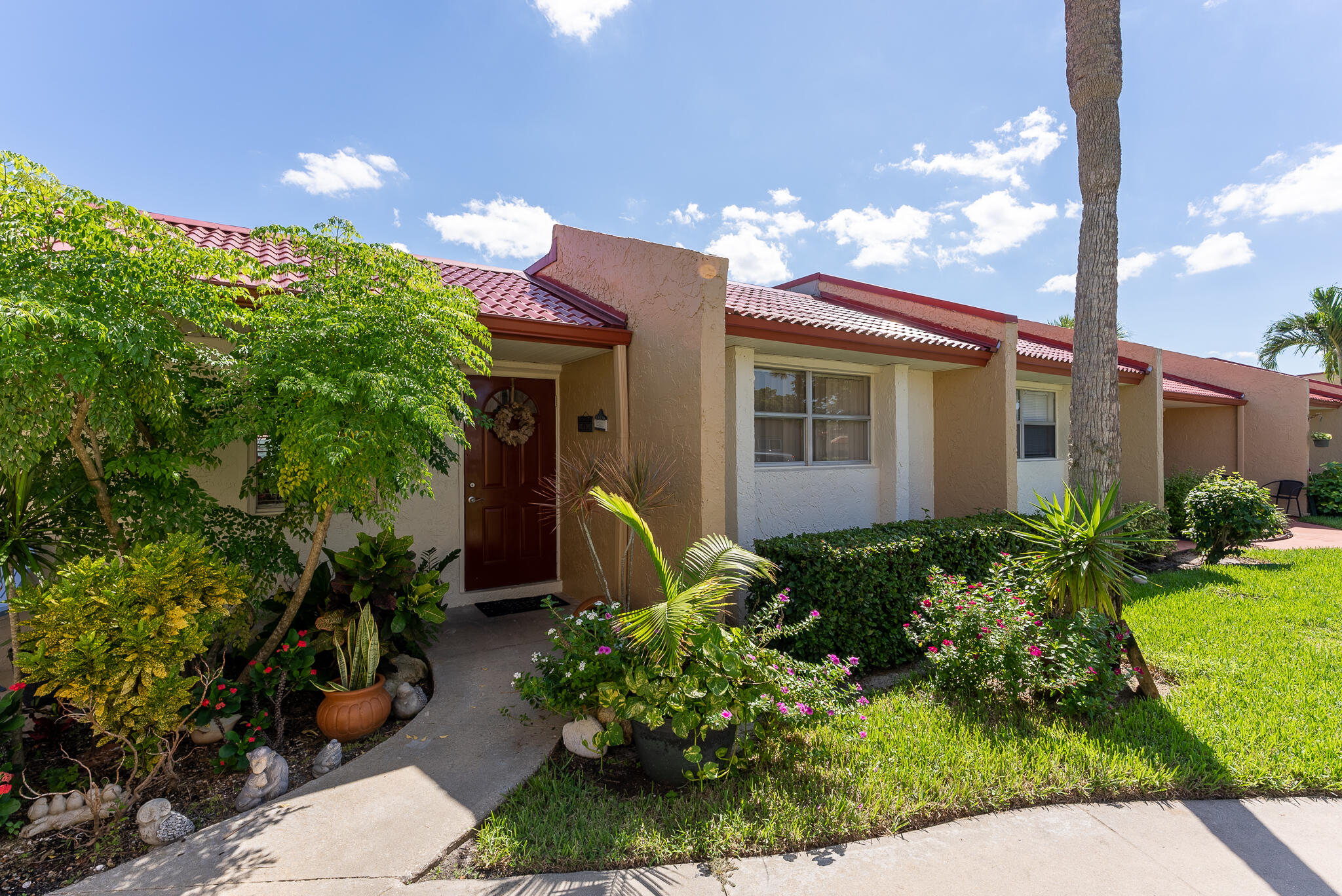 405  Lake Evelyn Drive 405 For Sale 10748295, FL