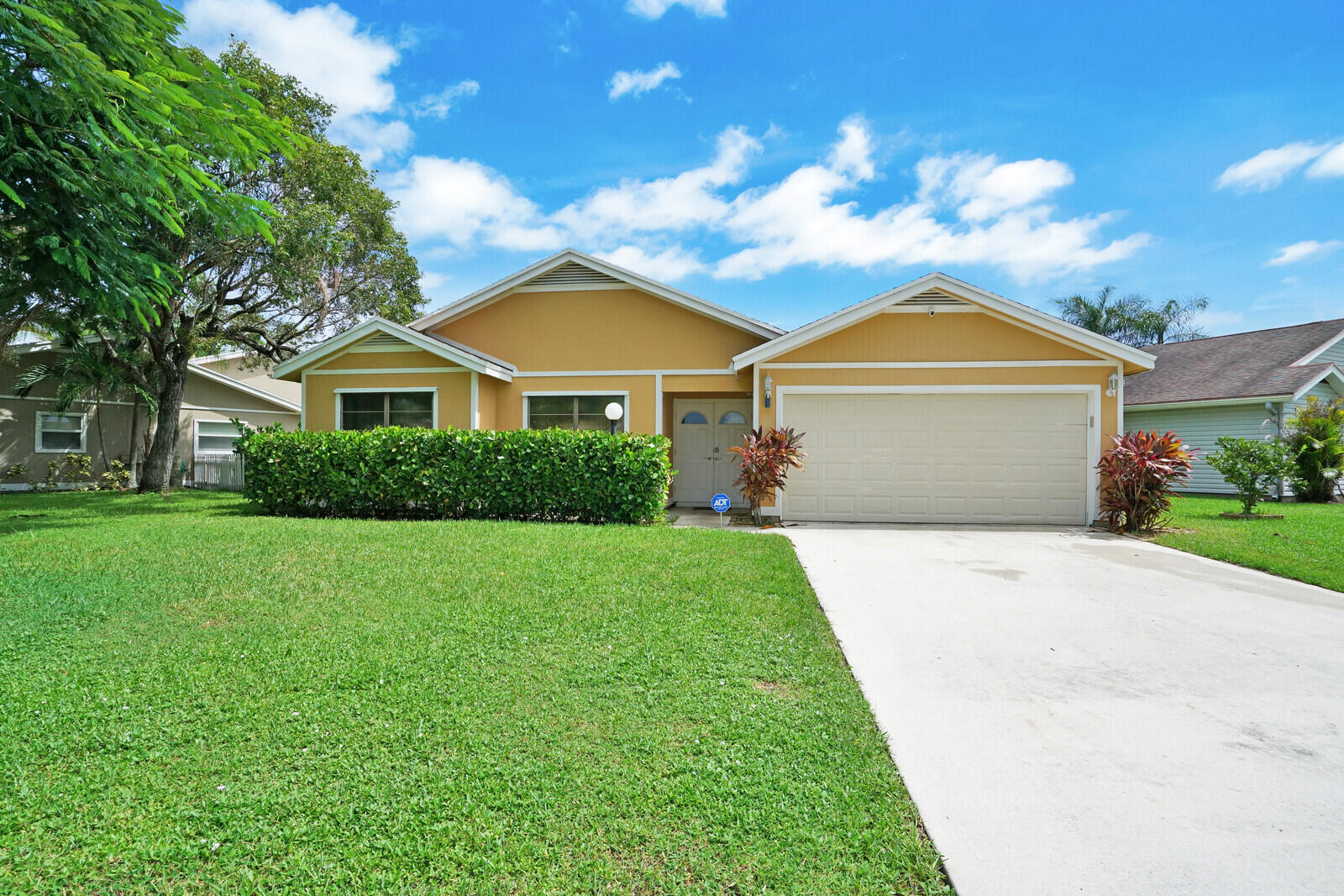 4070  Clearview Terrace  For Sale 10748591, FL