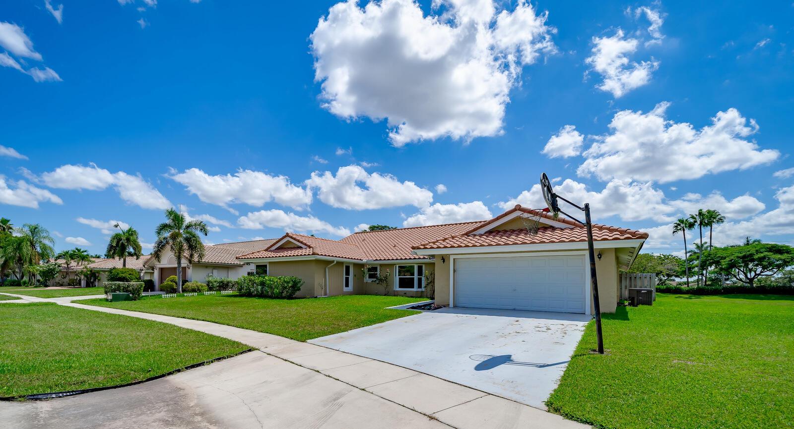 11540  Island Lakes Lane  For Sale 10748470, FL