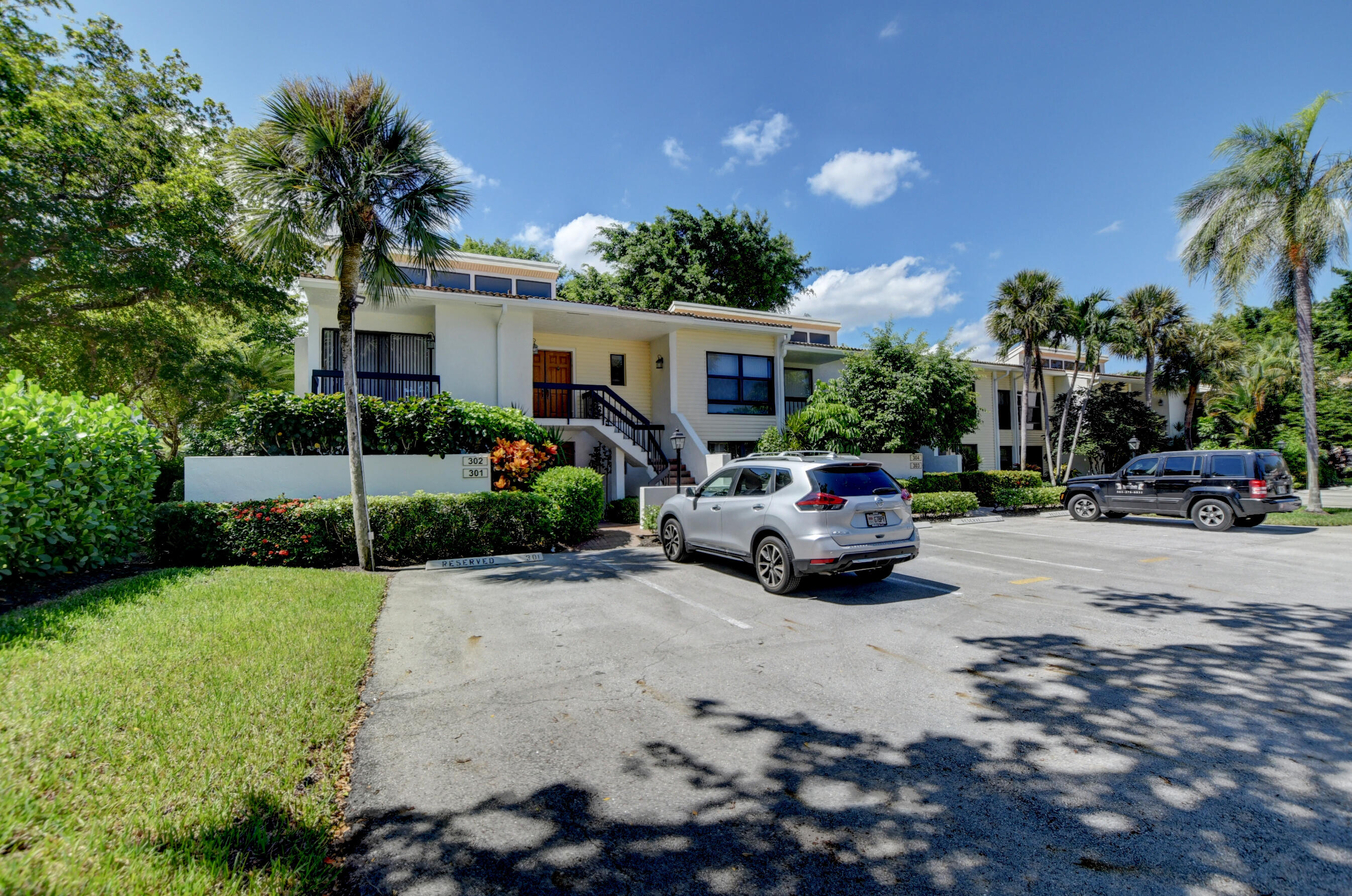 6878  Willow Wood Drive 301 For Sale 10748004, FL