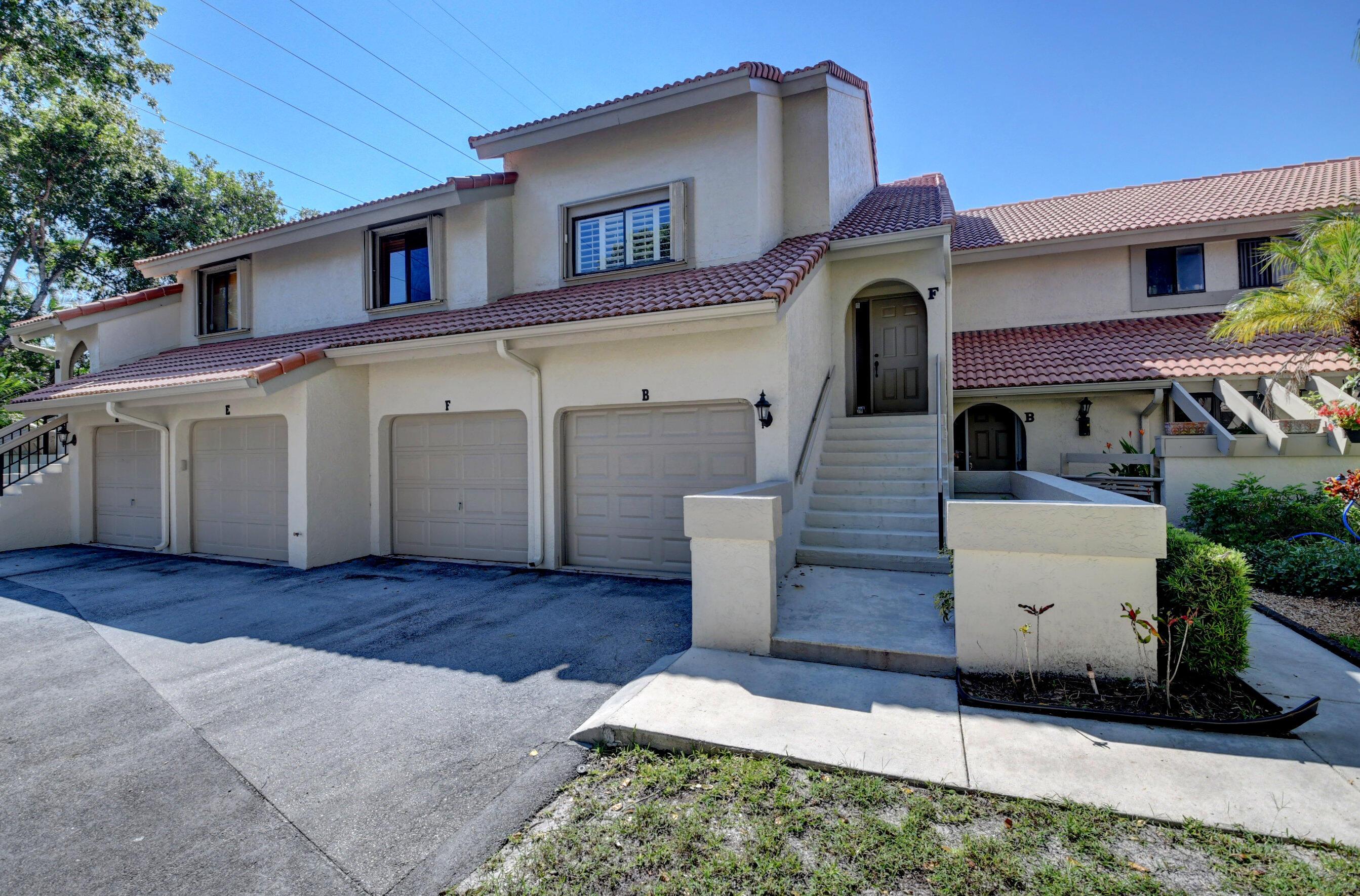 5660  Coach House F Circle F For Sale 10749117, FL