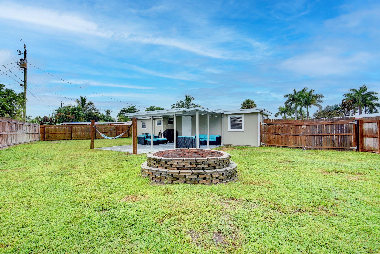 880 Tripp Circle West Palm Beach, FL 33413 photo 9