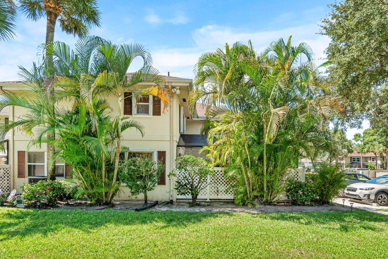 3a  Amherst Court  For Sale 10748537, FL