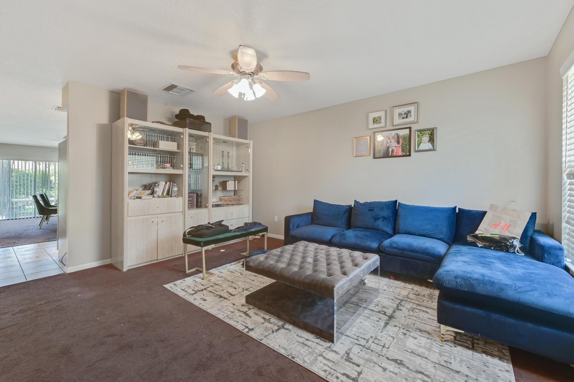 02 Living Room_003