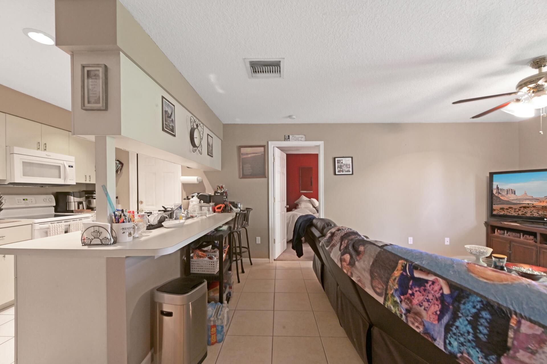 1020-04 Kitchen_002