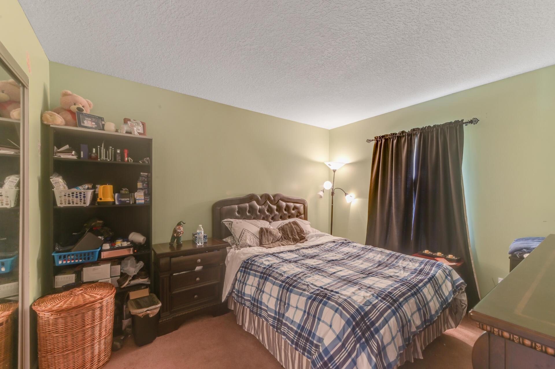 1020-03 Bedroom_001