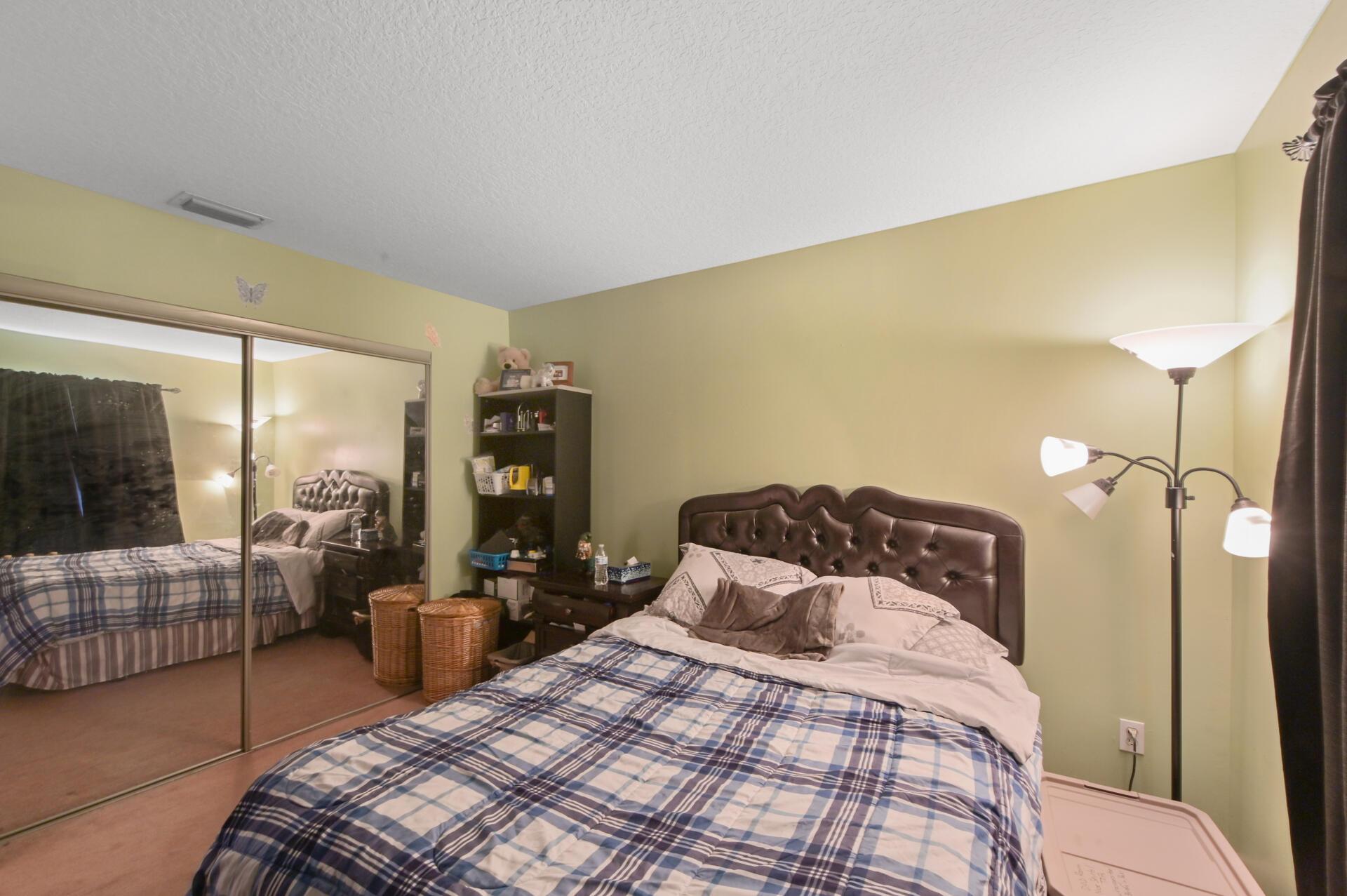 1020-03 Bedroom_002