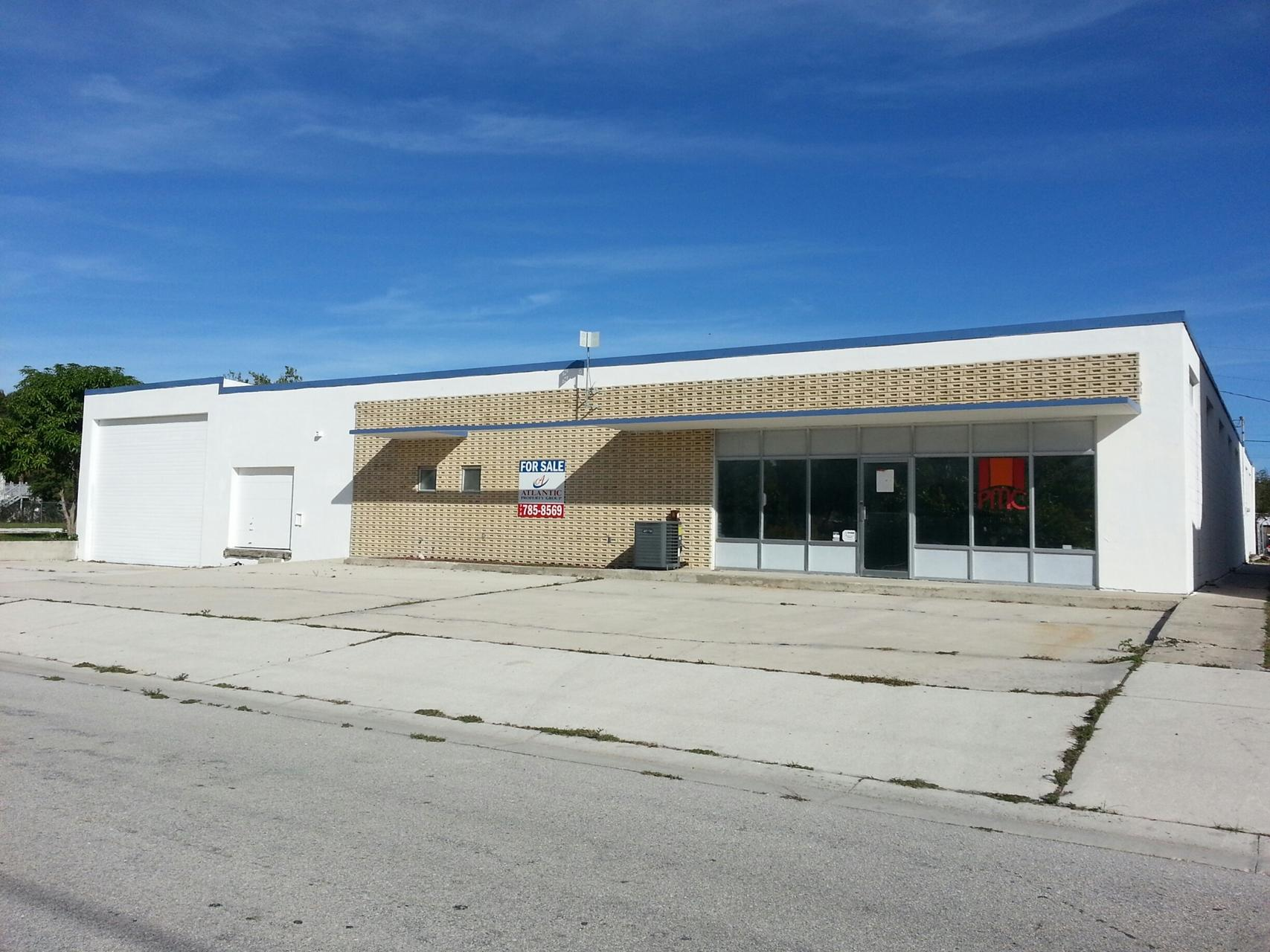 602 Warehouse with Loading Dock
