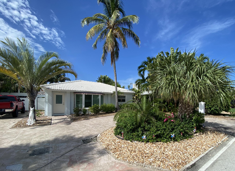 1140  Beach Road  For Sale 10748821, FL