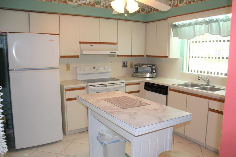4675 Robinwood Circle B Boynton Beach, FL 33436