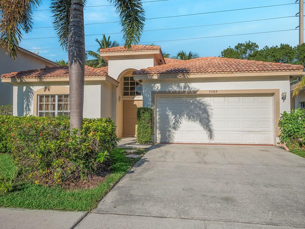 7589  Colony Lake Drive  For Sale 10747823, FL