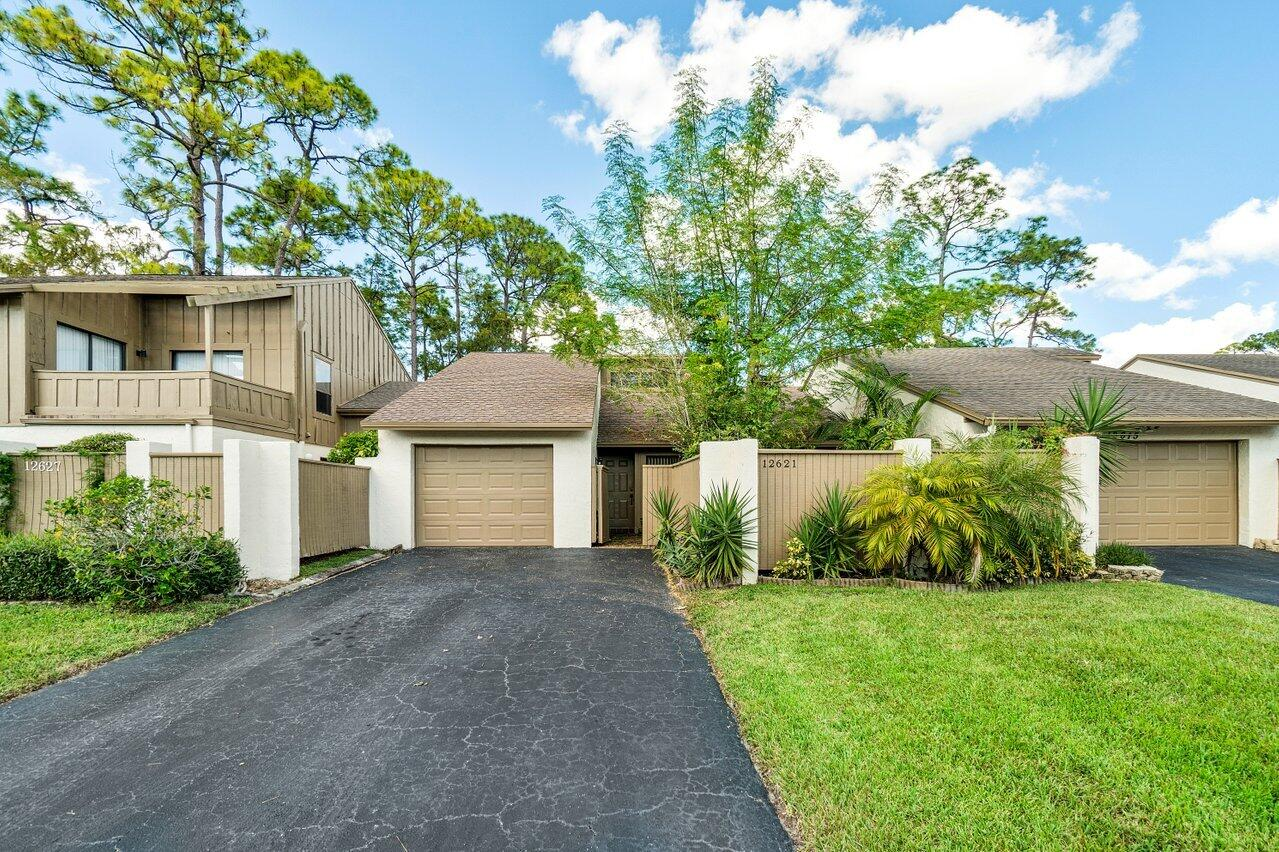 12621  Shady Pines Court 12621 For Sale 10748643, FL