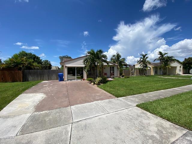 10173 Mikado Lane Royal Palm Beach, FL 33411 photo 2