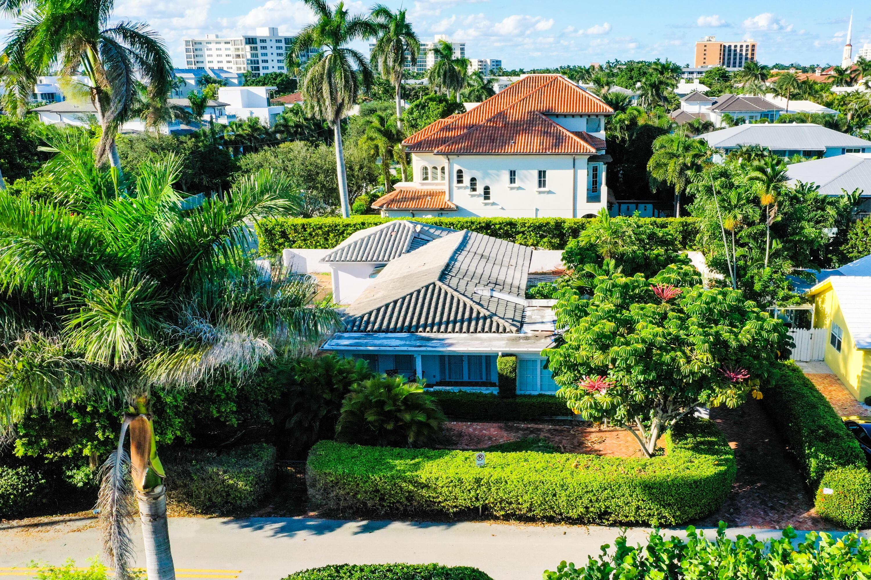 Front on Nassau