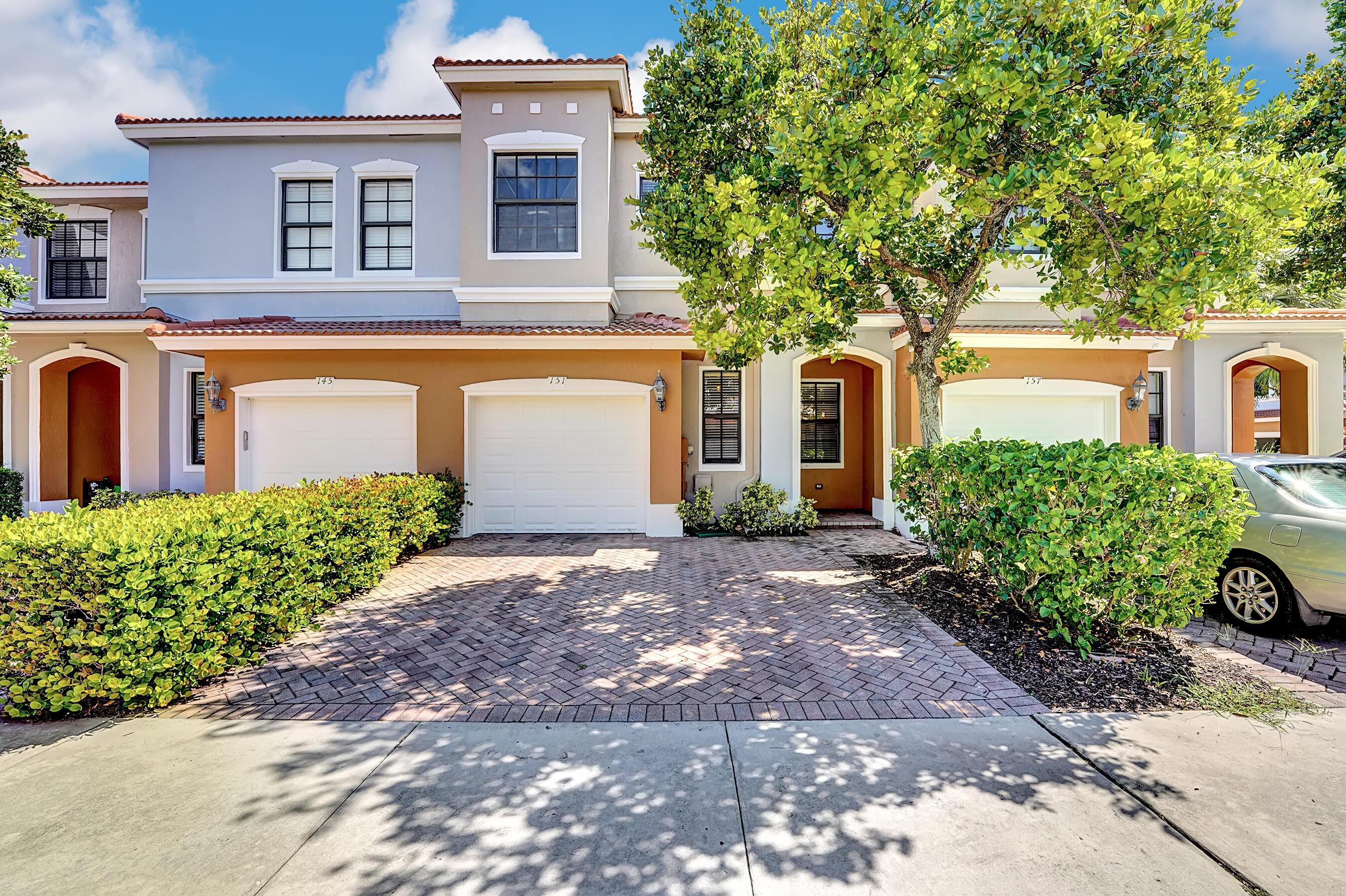 151  Delancy Avenue  For Sale 10748732, FL