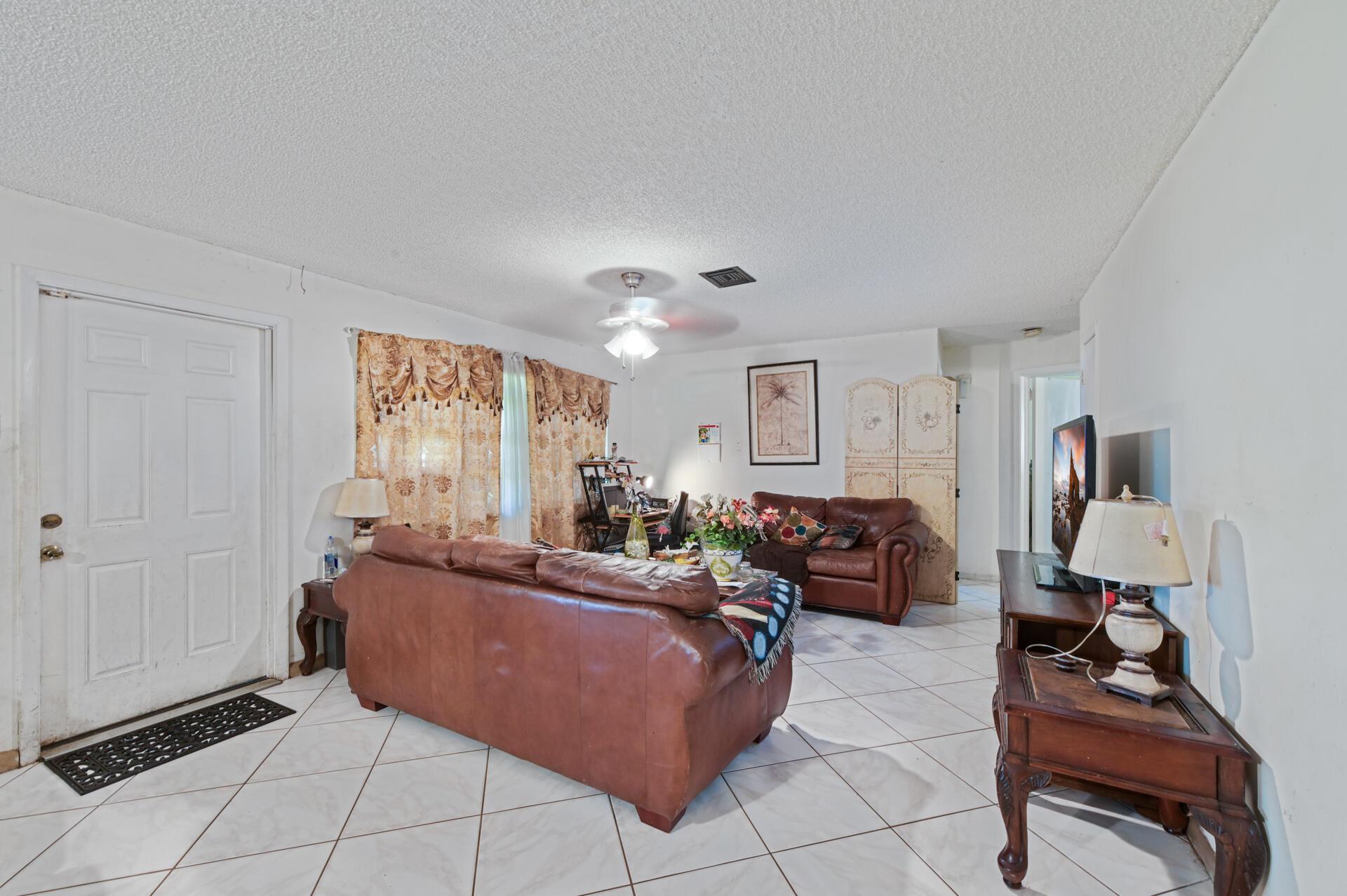 457 Guava Avenue West Palm Beach, FL 33413 photo 7