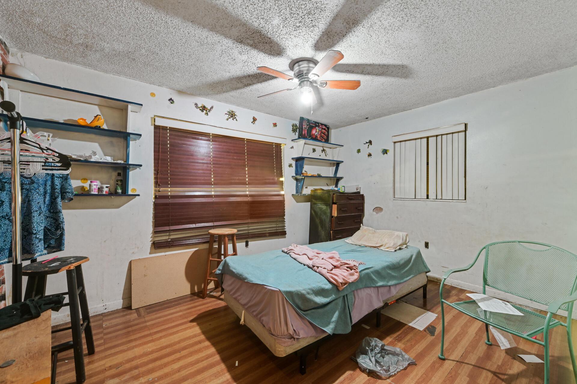 457 Guava Avenue West Palm Beach, FL 33413 photo 9