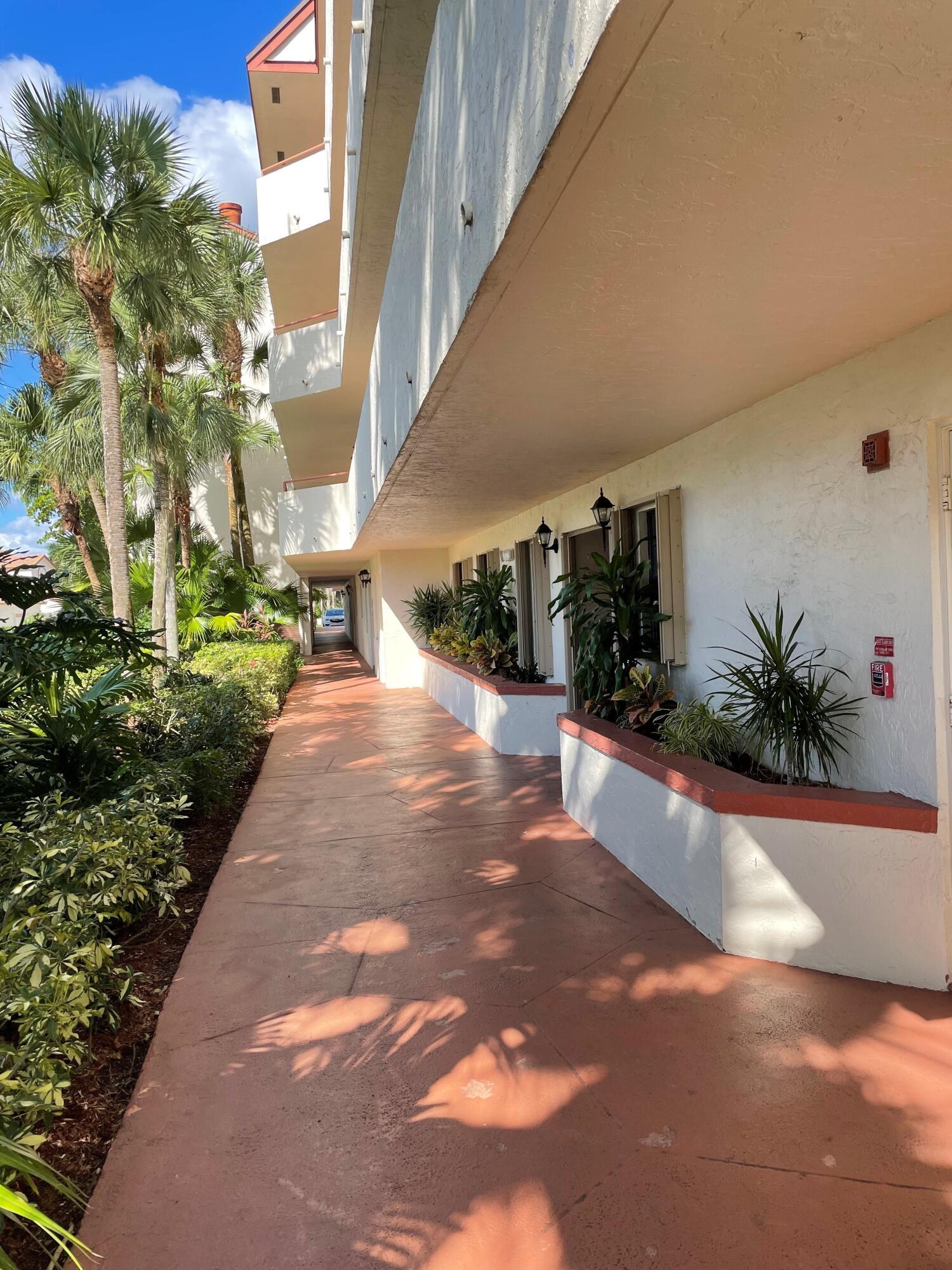 12568 Shoreline Drive 105 Wellington, FL 33414 photo 32