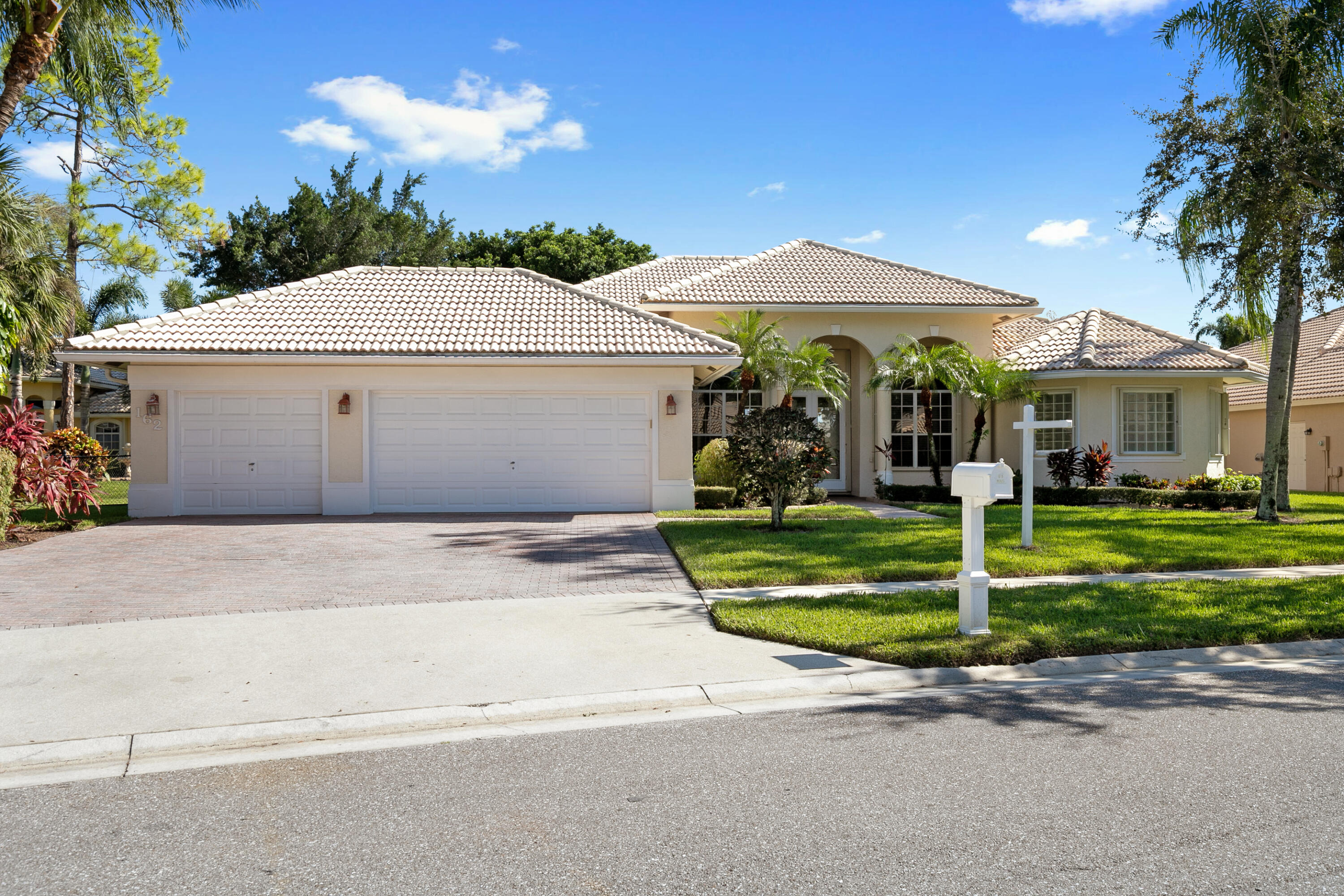 162  Cypress Trace  For Sale 10748794, FL