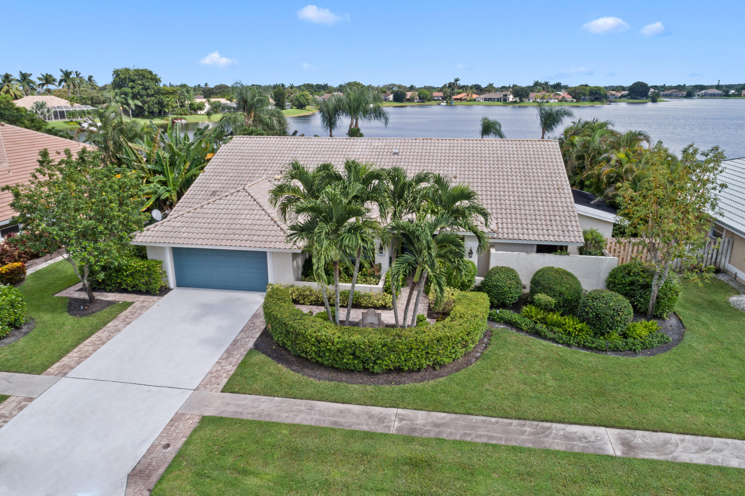 13579  Staimford Drive  For Sale 10748898, FL