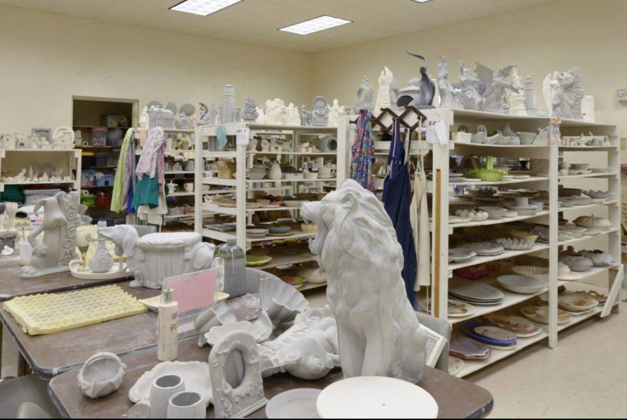 860 Noramndy Ceramic room